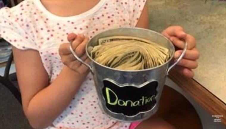 Menina vende limonada para quitar dívida de outras crianças 4