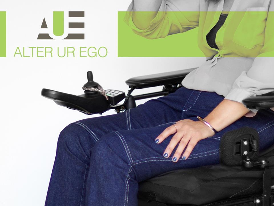 Estilista paraplégica cria jeans para deficientes físicos 2