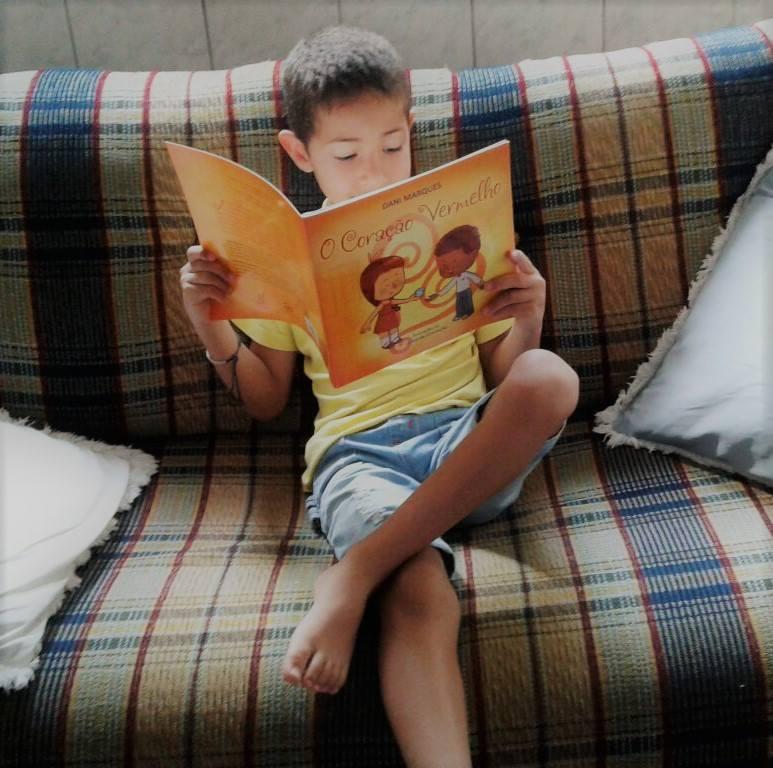 Escritora traduz para a linguagem infantil temas como desigualdade, corrupção e preconceito 4
