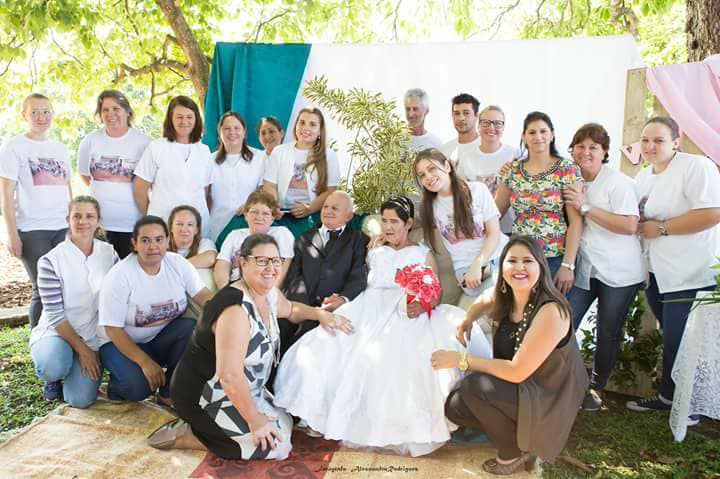 Asilo realiza casamento de velhinhos e eles não poderiam estar mais felizes 7