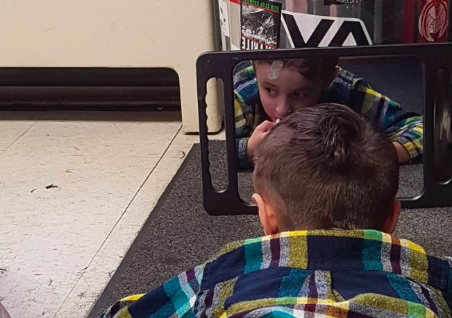 Barbeiro canadense dá atendimento especial para crianças autistas, mostrando o real significado da palavra empatia 4