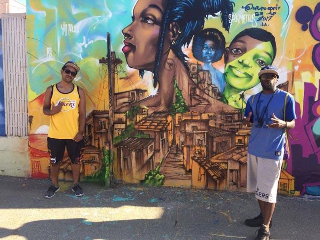 Brasileiros grafitam beijo entre homens negros e geram debate em universidade nos EUA 1