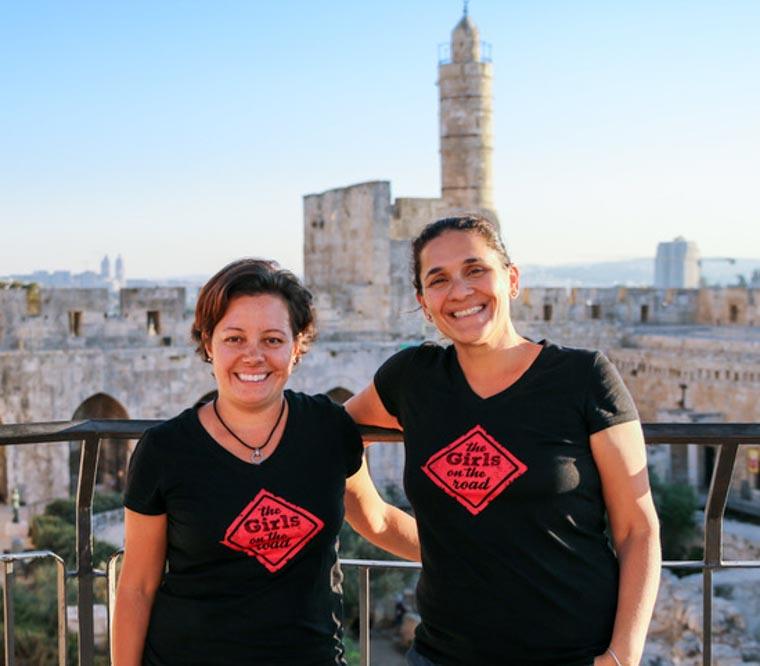 Brasileiras viajam o mundo em busca de mulheres empreendedoras com ações impactantes 9