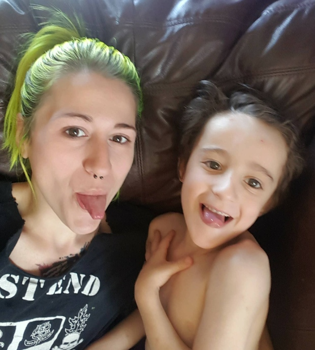 Barbeiro canadense dá atendimento especial para crianças autistas, mostrando o real significado da palavra empatia 3