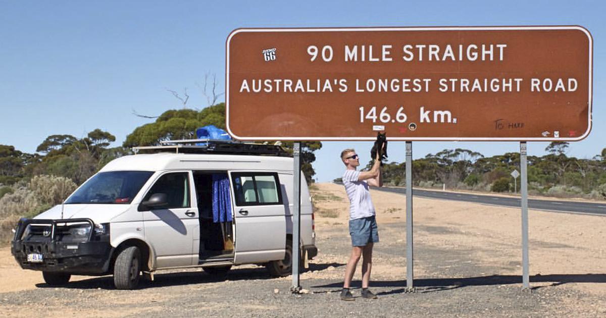 Homem larga tudo para viajar pela Austrália com sua gatinha de estimação 1
