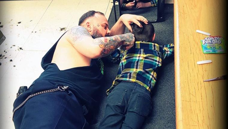Barbeiro canadense dá atendimento especial para crianças autistas, mostrando o real significado da palavra empatia 8