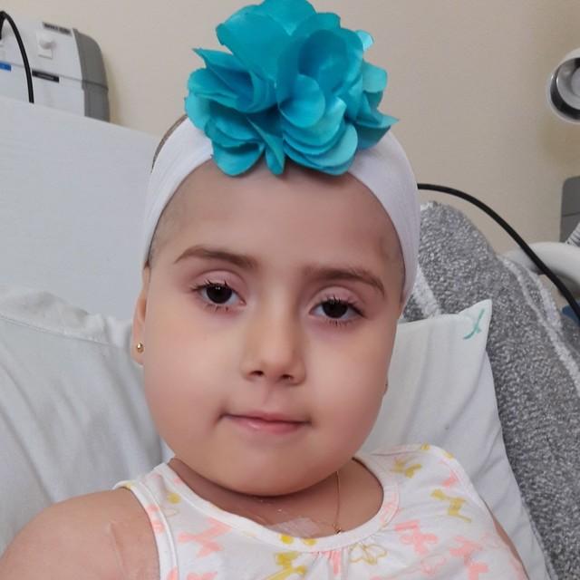 Fila enorme: centenas de pessoas se mobilizam e fazem cadastro de medula para ajudar menina com leucemia 2