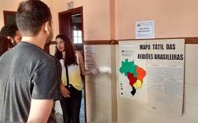 Para ajudar colegas cegos, estudantes criam mapa acessível 1