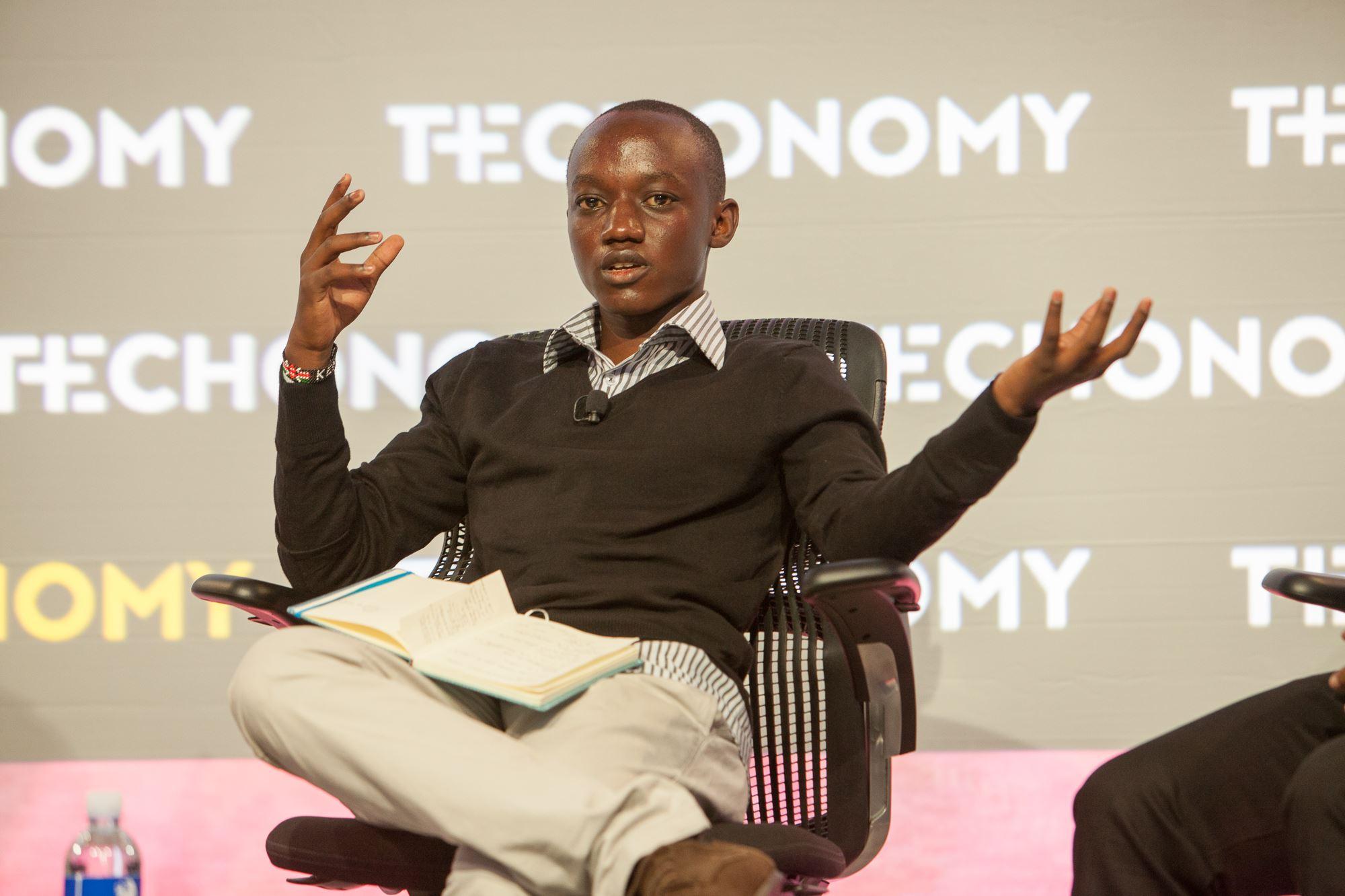 Queniano de 17 anos desenvolveu sistema que gera energia utilizando cocô 1