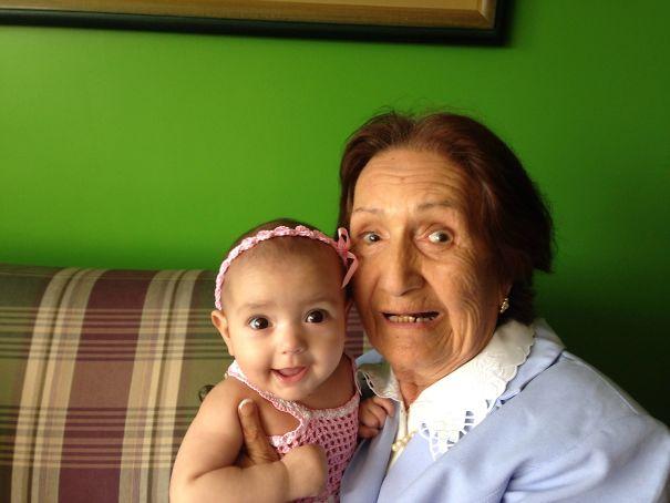 Essas fotos de avós conhecendo seus netos irão animar a sua semana 11