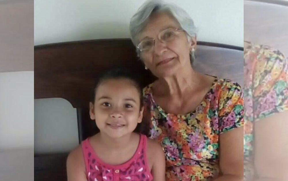 Mãe diz para filha chamar melhor amiga para noite do pijama e ela trouxe: uma senhora de 68 anos 1