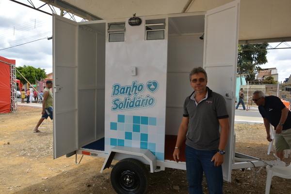 Empresário baiano adapta veículo para levar banho quentinho a pessoas em situação de rua 3