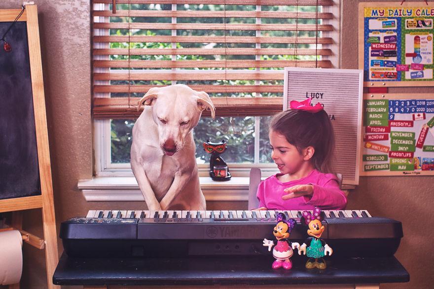 O lindo relato da adoção de uma cachorra que virou a melhor amiga dessa garotinha 5