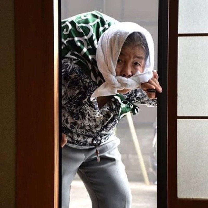 Essa vovó japonesa de 89 anos adora se fotografar em situações hilárias 5
