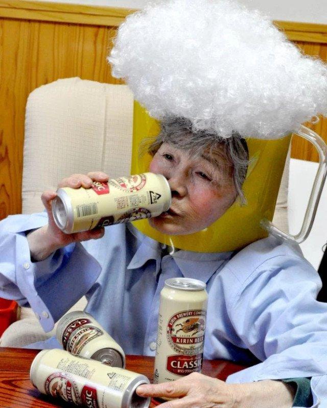 Essa vovó japonesa de 89 anos adora se fotografar em situações hilárias 1