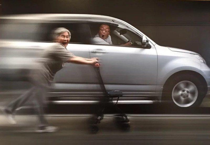 Essa vovó japonesa de 89 anos adora se fotografar em situações hilárias 3