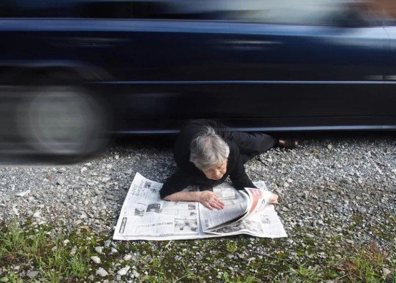 Essa vovó japonesa de 89 anos adora se fotografar em situações hilárias 7