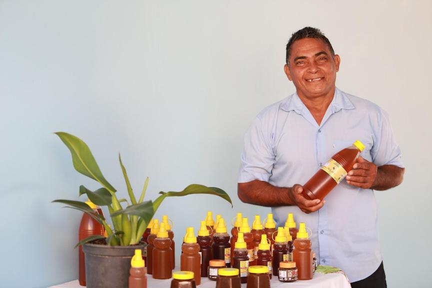 A importância da pesquisa de abelhas no trabalho de produção de mel do Seu Luiz no Pará 2