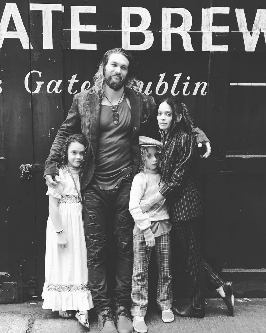 Você já conhece a história de amor dos atores Jason Momoa e Lisa Bonet? 4