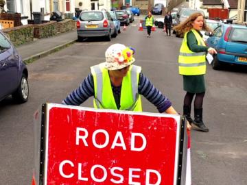 Como o simples ato de fechar uma rua está ressignificando a infância? 9