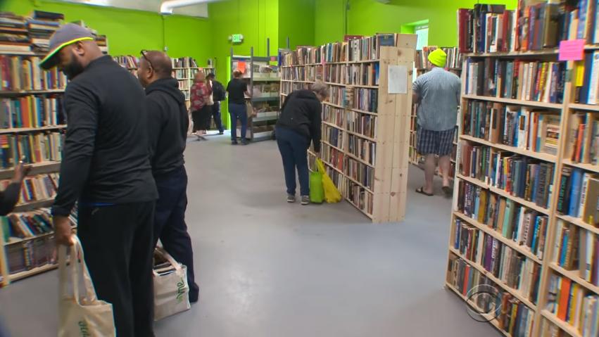 Como um depósito está fornecendo milhares de livros de forma gratuita 2