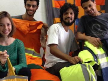 Amigos reciclam uniformes usados em negócio que empodera costureiras 1