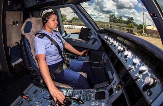 Conheça Carla Borges, a primeira pilota de caça das Forças Armadas Brasileiras 2