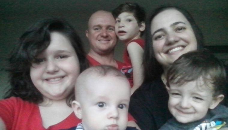 Casal adota bebê com microcefalia rejeitado duas vezes 3