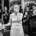 Ela pensou que iria provar um vestido para um desfile, mas na verdade era seu casamento surpresa! 4