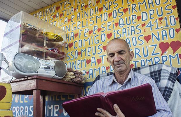 Projeto Pintores de Letras lança fonte 'Abençoada' para ajudar a realizar sonho de artista em Içara (SC) 5