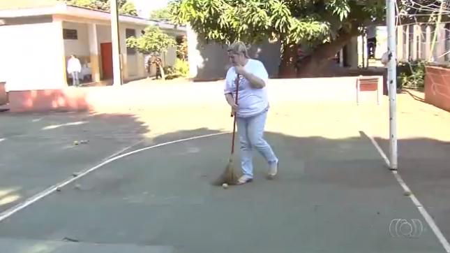 Após 40 anos, ex-alunos se reencontram para fazer mutirão no colégio onde estudaram em Goiânia 4