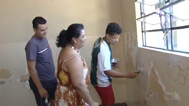Após 40 anos, ex-alunos se reencontram para fazer mutirão no colégio onde estudaram em Goiânia 5