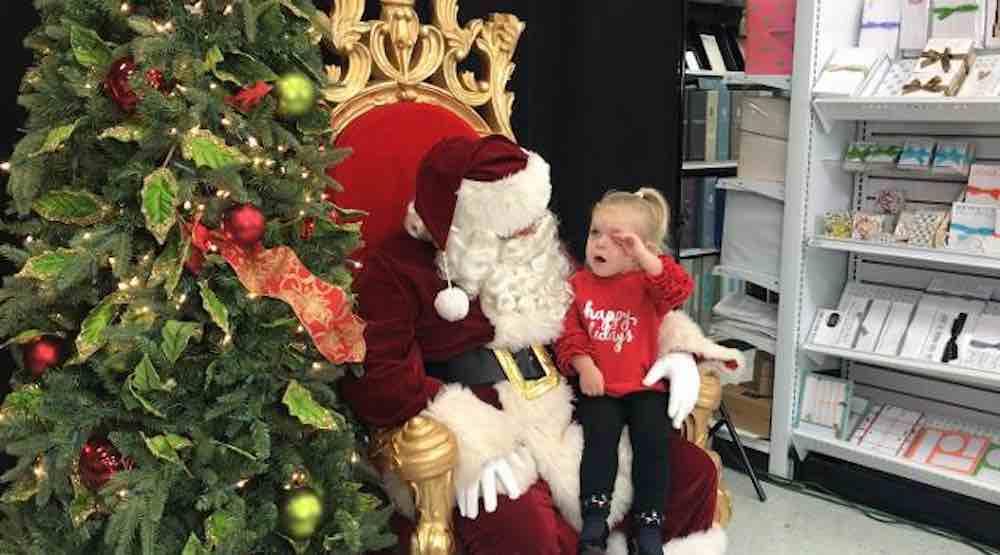 O pedido de natal dessa garotinha de 2 anos para o Papai Noel foi apenas um cochilo 4