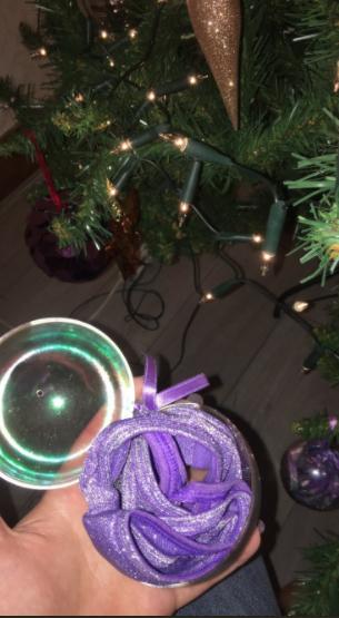 Senhora compra calcinhas com purpurina achando que eram enfeites de Natal 2