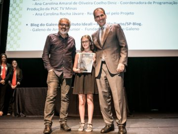 """Garota de 11 anos que criou o site """"A menina que indica livros"""" ganha prêmio por incentivar à leitura 4"""