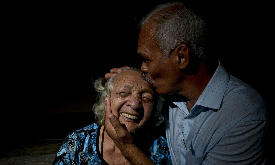 Senhora de 86 anos reencontra o filho que não via há mais de 55 1