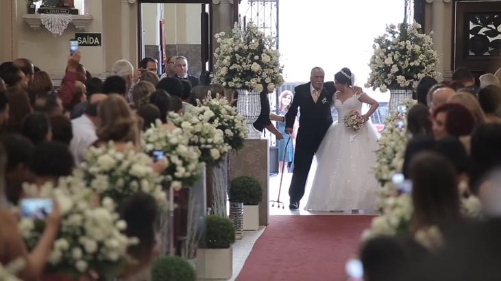 Pai supera sequelas de AVC e leva filha até o altar 3