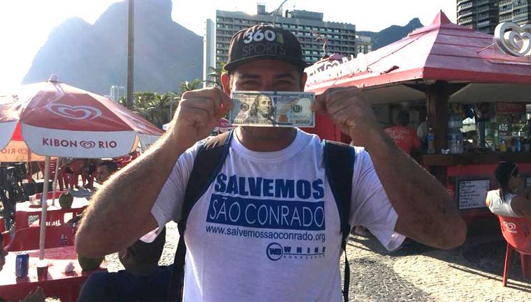 Carioca acha R$ 5 mil na praia, devolve para o dono e ganha recompensa 2