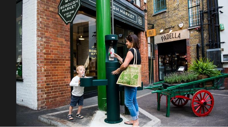 Fontes e bebedouros serão instalados em Londres para estimular pessoas a não comprarem garrafas plásticas 1