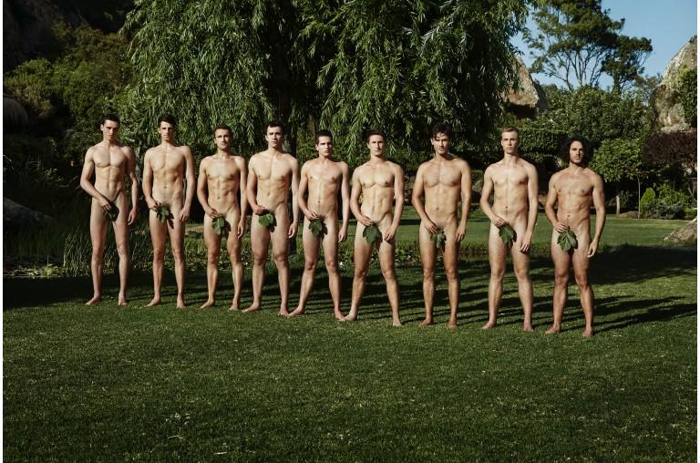 Equipe de remo britânica tira roupa novamente em calendário contra a homofobia 2