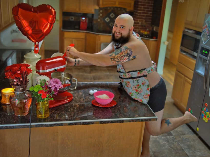 Marido faz ensaio fotográfico hilário para animar esposa que está com câncer 1