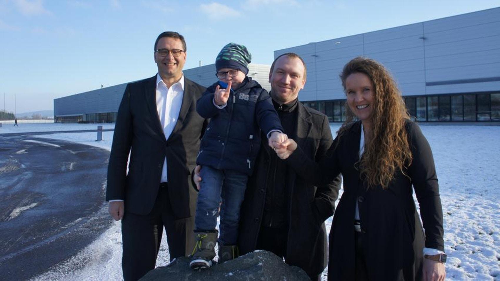 Alemão passa 1 ano cuidando do filho com leucemia graças aos seus colegas que doaram mais de 3000 horas de férias 1