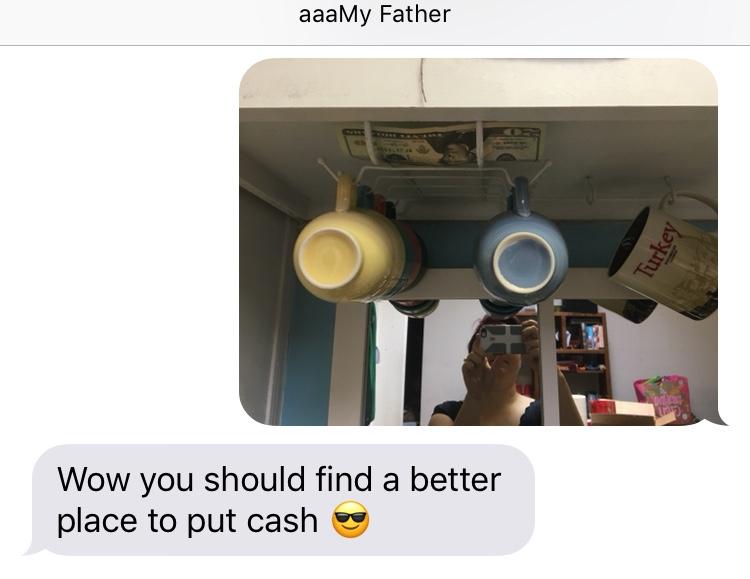 Pai esconde nota de 20 dólares cada vez que vai visitar sua filha e faz sucesso na Internet 3