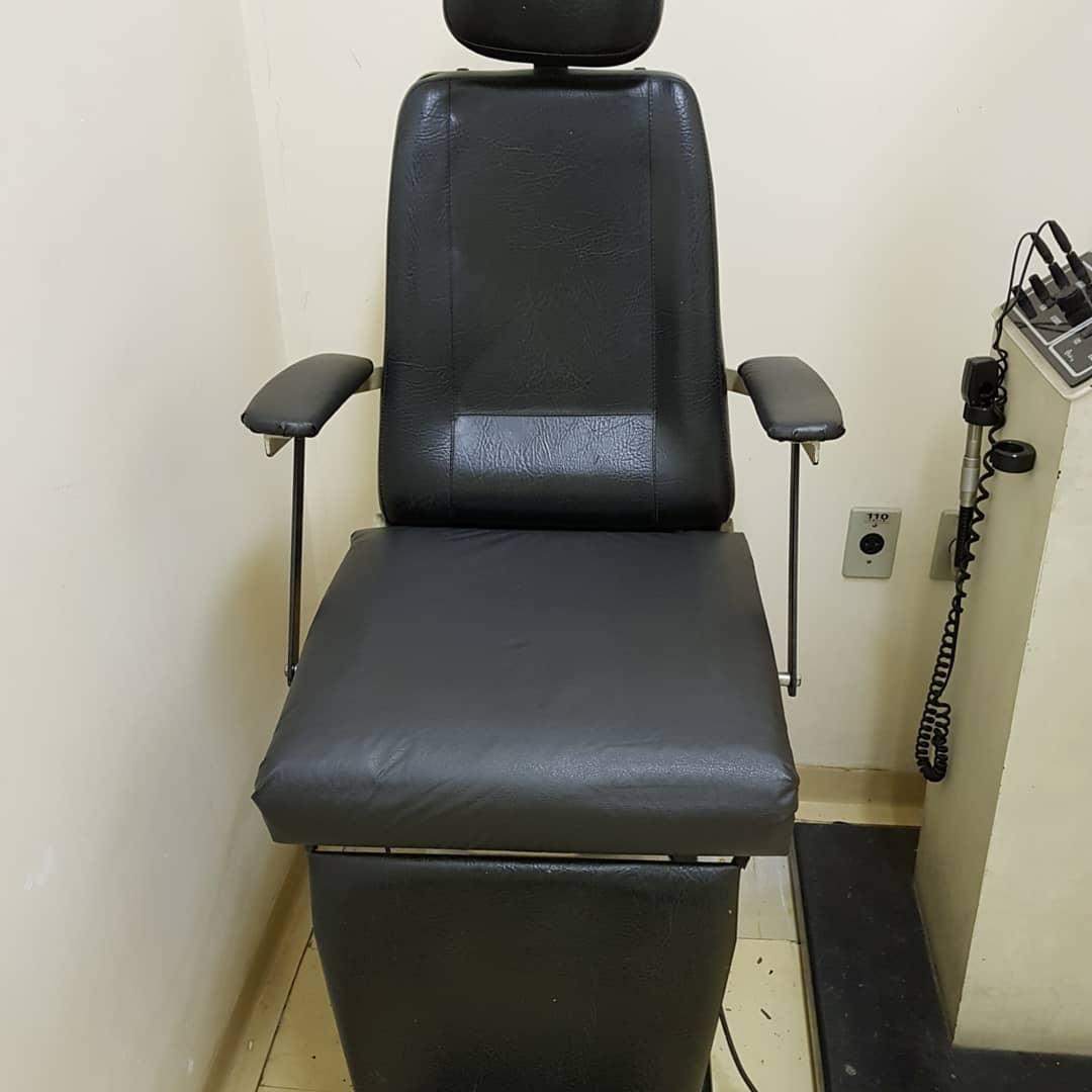 Em SP, paciente da Santa Casa conserta as cadeiras da instituição em gesto generoso 5