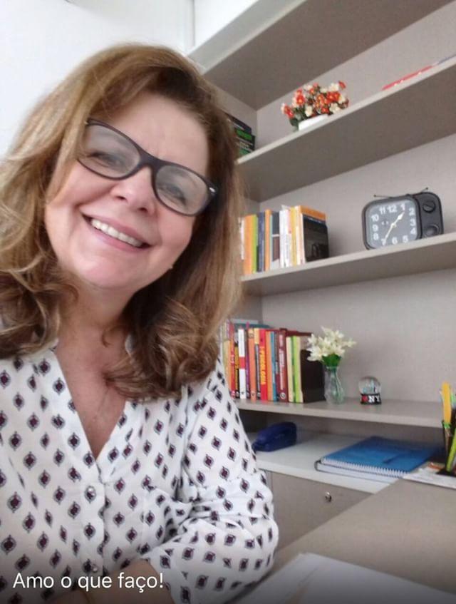 Depois de ter que trancar faculdade por duas vezes, ela cursou Psicologia aos 54 anos e o céu é o limite! 3