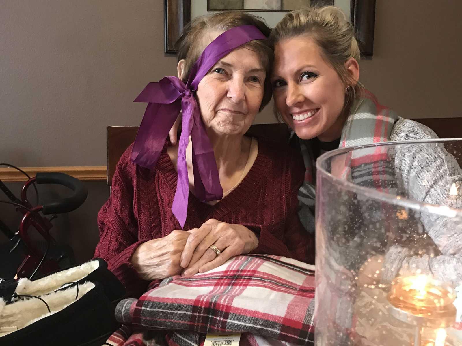 Neta deixa emprego para cuidar melhor da avó de 83 anos com Alzheimer 6