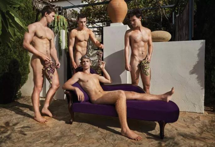 Equipe de remo britânica tira roupa novamente em calendário contra a homofobia 7