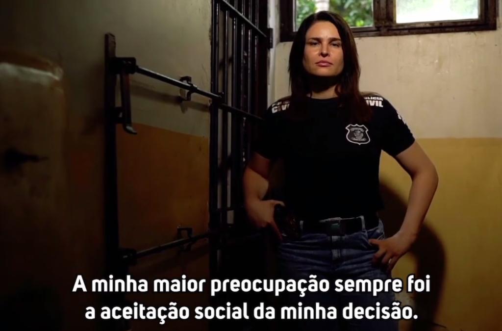 Delegada de polícia transexual dá depoimento inspirador sobre respeito e aceitação 3