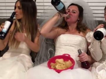 """Mulher se separa e ganha """"festa do divórcio"""" das melhores amigas! 2"""