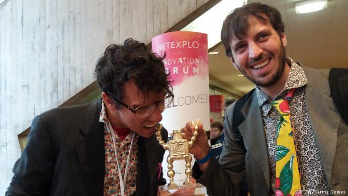 """Aplicativo brasileiro que é o """"Tinder da reciclagem"""" ganha prêmio de inovação em Paris 3"""